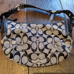 Coach Hobo - Signature Collection